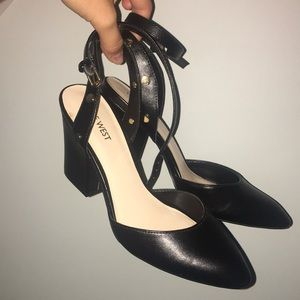 Size 7 1/2 Nine West Day Heels